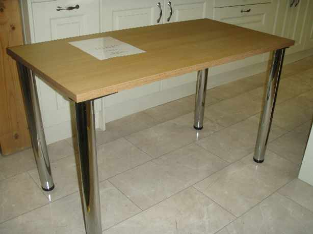 Easily stored table